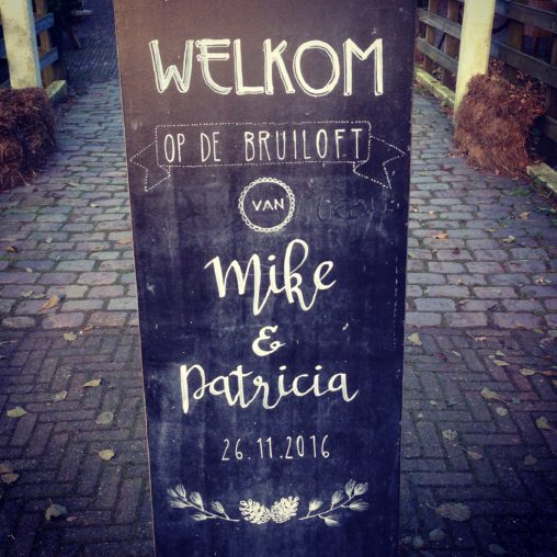 wedding chalkboard sign decoration ideas design hand lettering artist welcome welkom krijtbord krijtbordtekenaar bruiloft schoolbord lilian leahy rotterdam netherlands illustrator