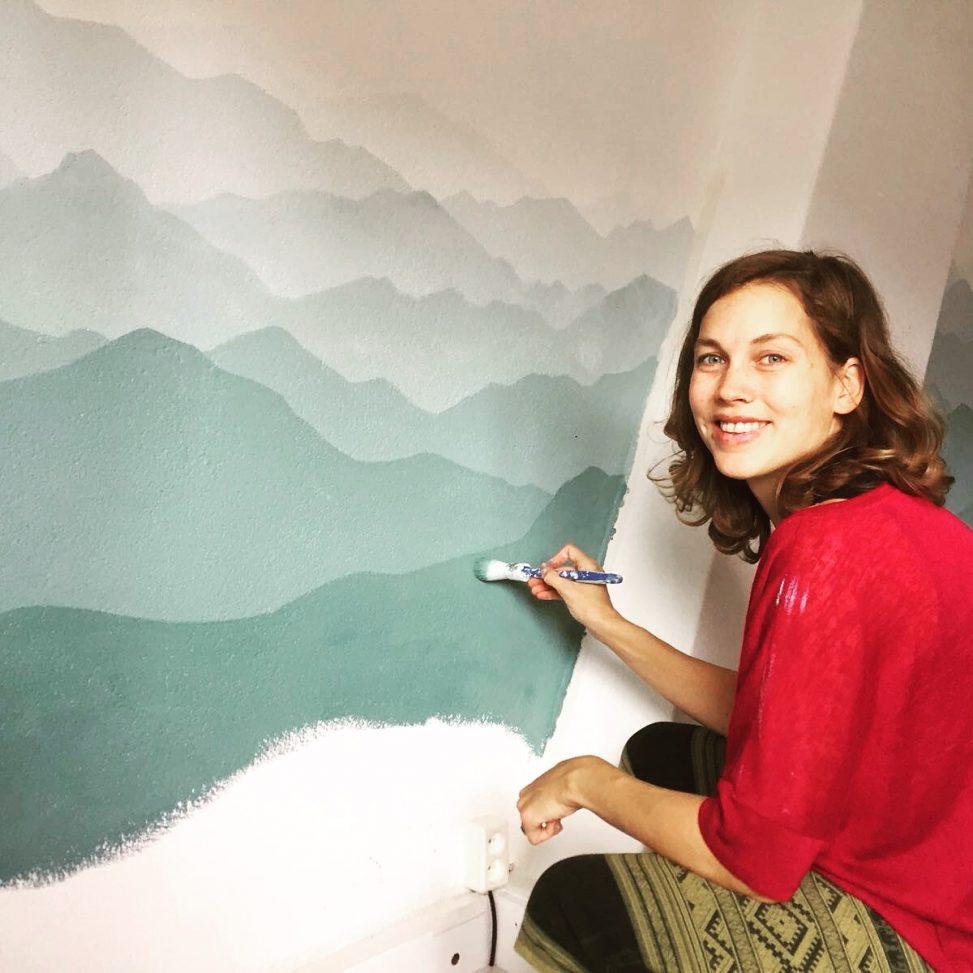 mural art muralist painting murals lilian leahy illustrations illustrator ombre gradient mint calm meditation